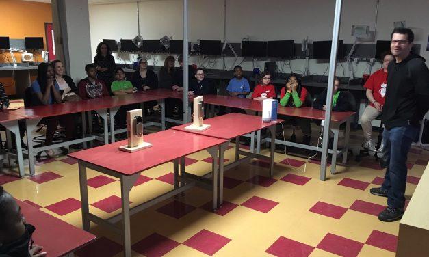 Des élèves (9 à 12 ans) de l'école primaire Paul-Jarry sont venus visiter l'école Léonard-De Vinci